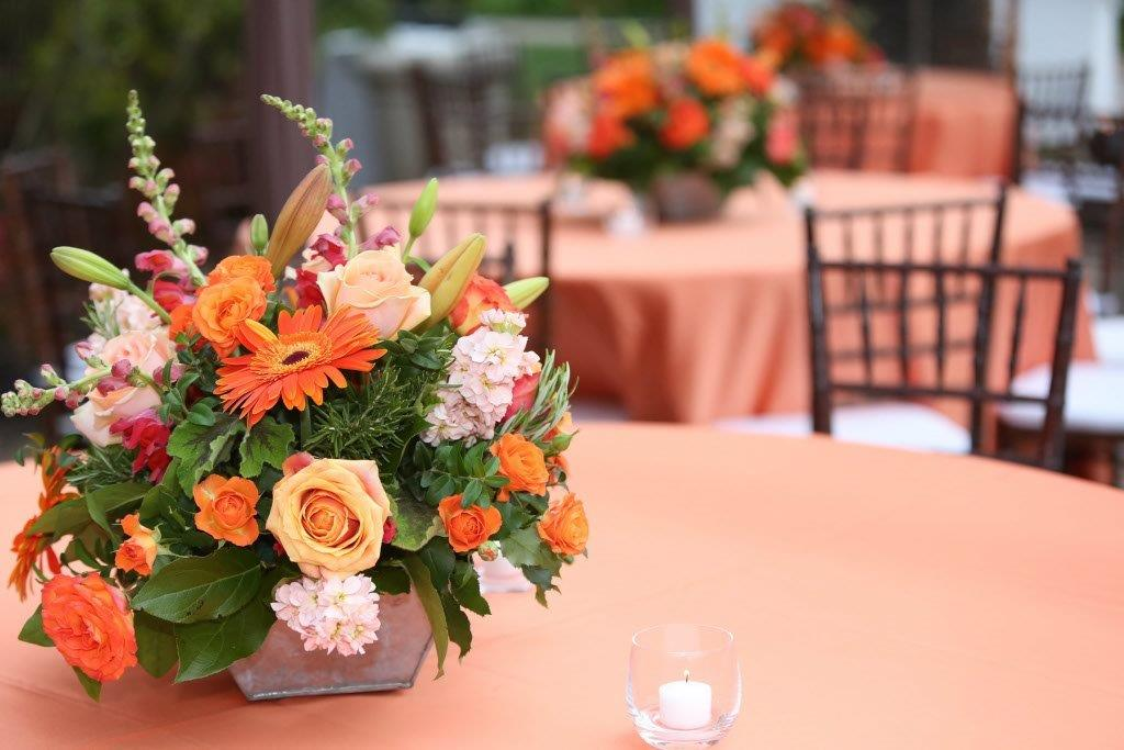 Casual-Elegance-Centerpiece