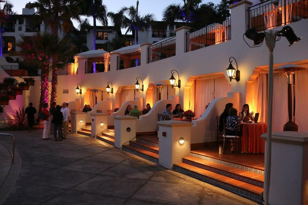 Pool-Cabana-Dining-Lighting